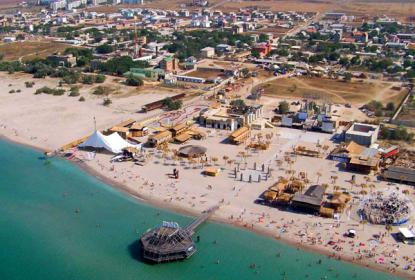 Вид на пляж в районе Казантипа