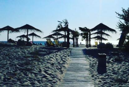 Пляж в пос. Мирный